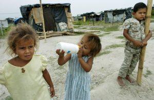 crianças pobreza